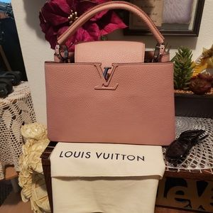 Louis Vuitton Capucines PM